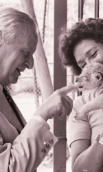 Carlo-Alberto-Cappelli-con-un-leoncino-e-la-goglie