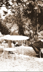 8-franco-corelli-con-giuseppe-lugo-nel-giardino-di-villa-vento-nel-1972