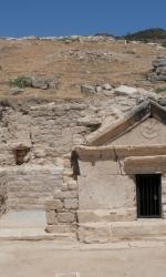 8-facciata-tomba-san-filippo