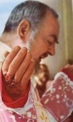 5 Padre Pio durante la messa
