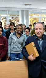4 Studenti dell'Istituto Universitario Sophia di Loppiano, con il preside prof. Piero Coda