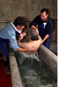 Lourdes si rif il look volontari di lourdes for Piscine lourdes